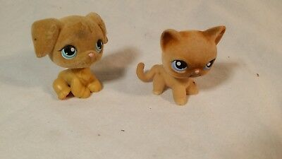 Littlest Pet Shop Lot of 2 Fuzzy Flocked Pets # 318 # 320  Authentic LPS Dog Cat