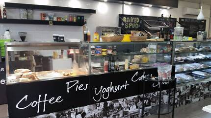 Family Cafe & Yoghurt Bar For Sale