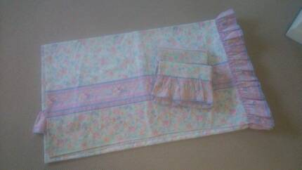 Double Bed Quilt Cover with matching pillow cases Botany Botany Bay Area Preview