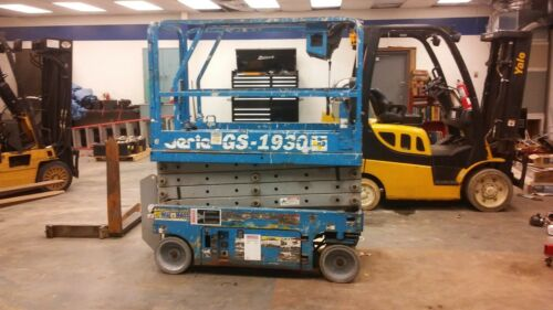 Genie, Gs1930 Scissor Lift, New Tires And New Batteries, Lightly Used