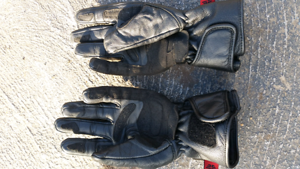 Motorbike gloves (Price negotiable)