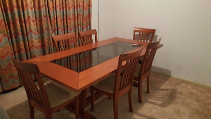 Dinning Table And Chairs For Urgent Sale