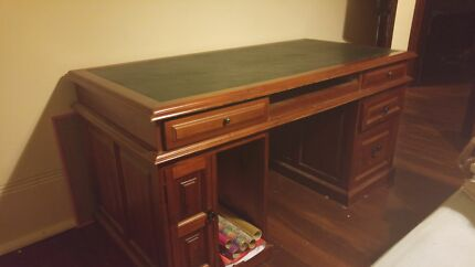 Wooden Desk South Perth South Perth Area Preview