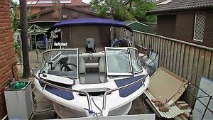 Aluminium Runabout with walkthrough screen & millennium Hull Chipping Norton Liverpool Area Preview