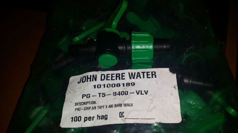 """JOHN DEERE Pro Grip, 16 mm [5/8""""] Tape Coupling with valve & barb - 50 pack"""