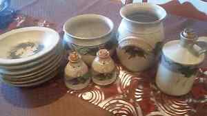 Australian  Goulburn Pottery Mount Pritchard Fairfield Area Preview