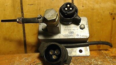 Mercedes W124 W126 300D 300SDL 300TD BOSCH OEM Fuel Injector Assembly Brand NEW
