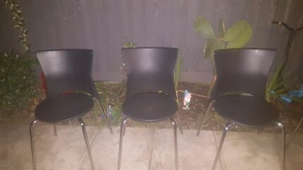 4 plastic dining chairs  Port Melbourne Port Phillip Preview