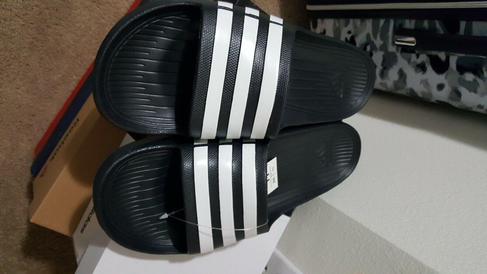 Adidas Mens Duramo Slide Size 11 Sandals Slippers Black NEW!