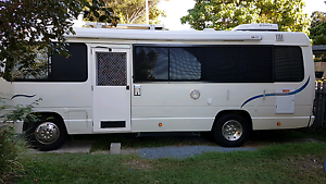 1993 TOYOTA 5 SPEED 23FT DIESEL COASTER BUS Coombabah Gold Coast North Preview