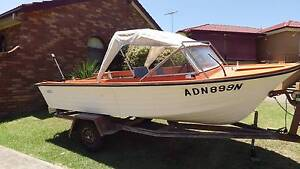 Boat Runabout / Fishing Glenfield Campbelltown Area Preview