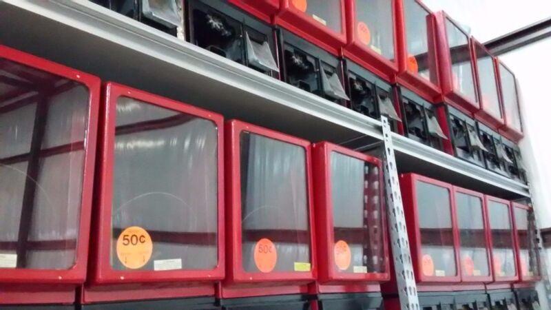 """Victor 2"""" capsule Vending machine 50 cent"""