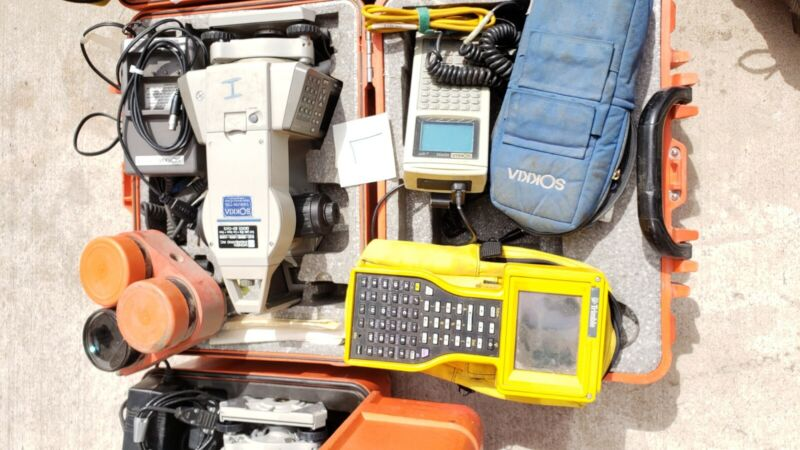 SOKKIA SET2110 Total Station W/ Case and Some Accessories