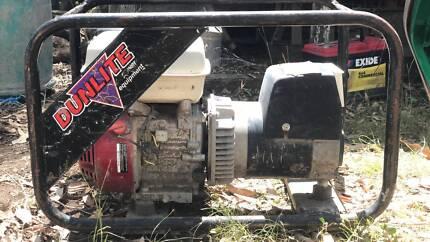Honda powered 3.3 KVA/2700 Watt Dunlite generator Karalee Ipswich City Preview