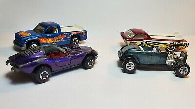 Vintage Johnny Lightning Topper Custom '32 Ford and Maco Shark and 2 Hot Wheels