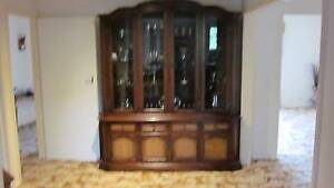 Solid Timber Wall Unit    ( IN A 1  CONDITION) SAVE   $$$$ Thomastown Whittlesea Area Preview