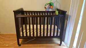 Baby cot for sale Eight Mile Plains Brisbane South West Preview