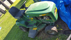 Ride on lawn mower for sale Tuggerawong Wyong Area Preview