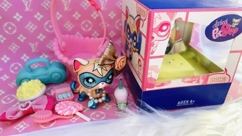 LPS AUTHENTIC COMIC CON CAT WITH BOX!💜