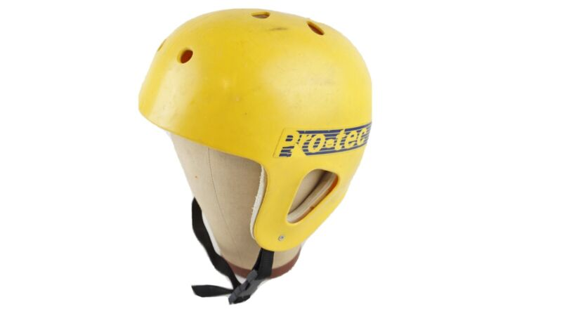 Protec Skateboarding Skate Helmet Yellow BMX 80's Pro-Tec Vintage