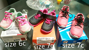 Shoes/Winter Clothes size 1/2 Kardinya Melville Area Preview
