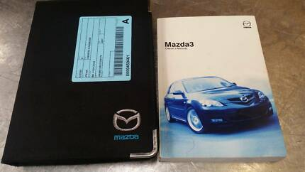 MAZDA 3 OWNERS HANDBOOK/MANUAL BK, 01/04 04/09 (C22528)
