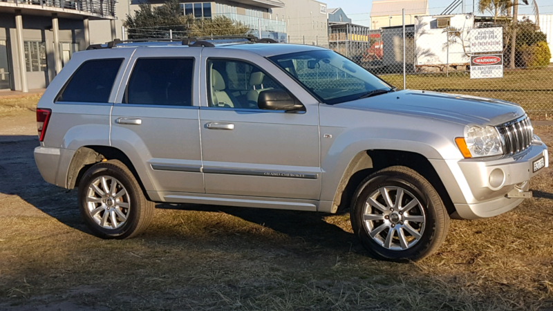 Must Sell..2006 Jeep Grand Cherokee Overland 5.7 Hemi V8 Newcastle  Newcastle Area Image. 1 Of 7