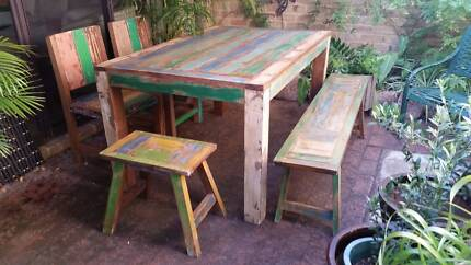 SHABBY CHIC UNDERCOVER DINING SETTING