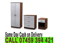 A 2 Door wardrob High Gloss Set in Black and White color