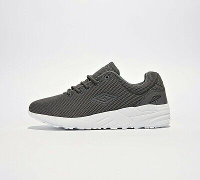 Mens Umbro Clean Tech Runner Anthracite/White Trainers (SF1) RRP £49.99