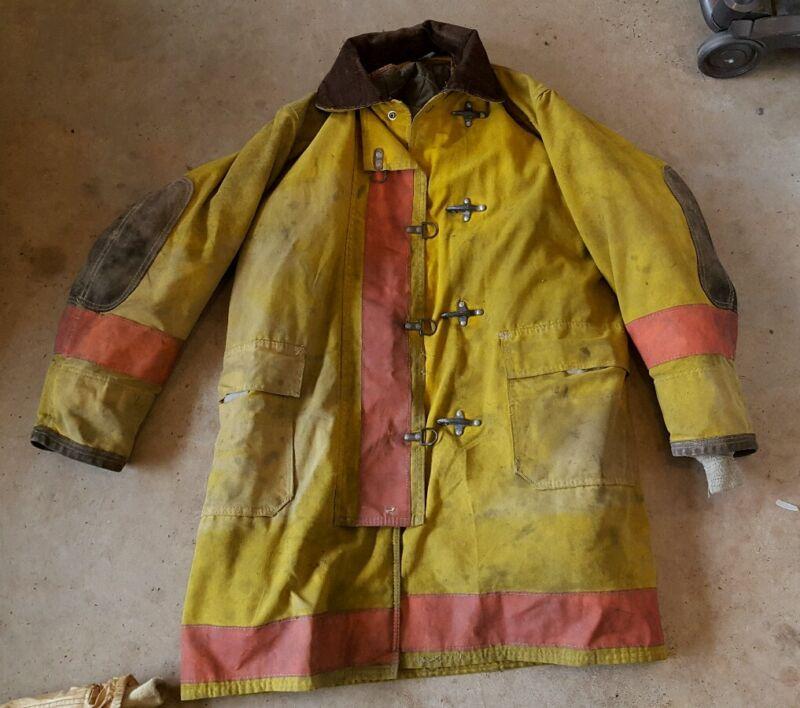 FIREFIGHTER FIREMAN TURNOUT GLOBE  BUNKER GEAR: JACKET COAT RARE