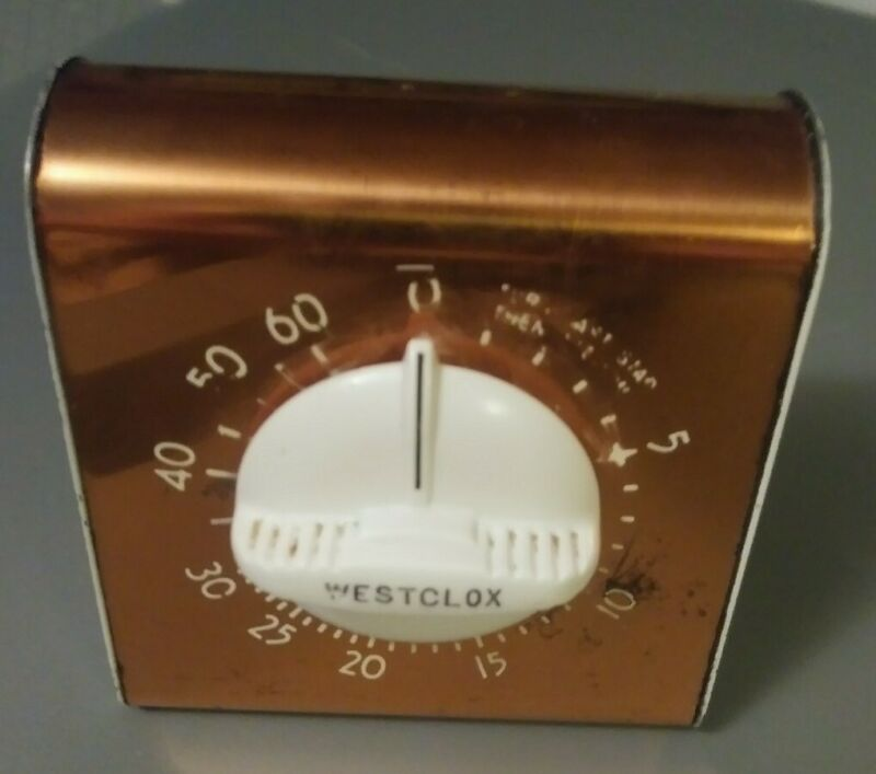 WORKING Vintage Westclox WALL Oven stovetop Kitchen Timer White & Copper? metal