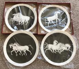 Set of 4 horse plates