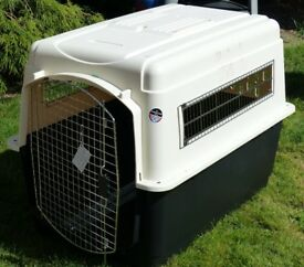 Dog crate or cage for transporting pets