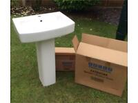 Wash basin and full pedestal (brand new and boxed)