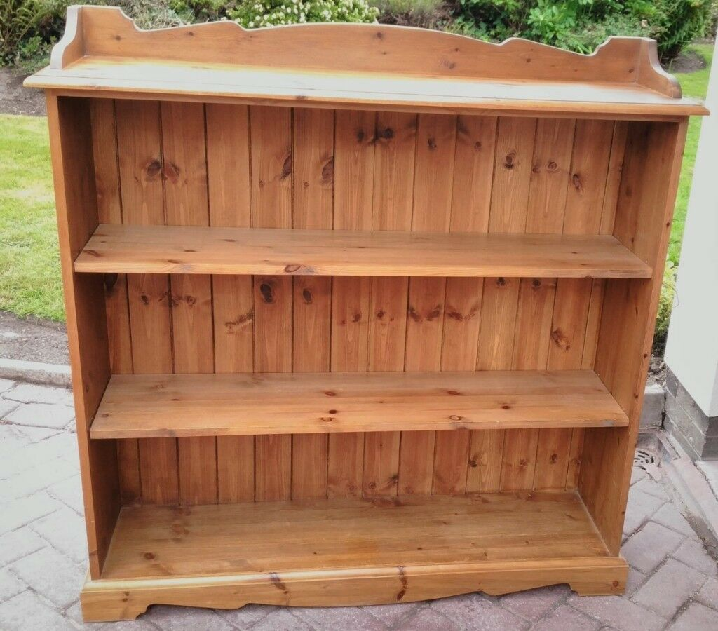 cheaper 7a92f 1513d Solid Pine Victorian style Country Rustic Traditional Low, Wide Bookcase or  Display Shelving Unit | in Poynton, Manchester | Gumtree