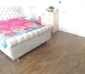 120pw double room for single use only 5 min walk to Loughton station zone5