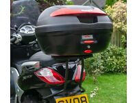 GIVI MONOKEY TOPBOX COMPLETE WITH MOUNTING PLATE AND ALL FITTINGS-AS NEW CONDITION