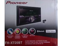 Pioneer FH-X720BT Double-din car radio - bluetooth, hands-free mic, excellent condition.