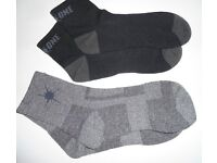 Mens On One Sports Running Short Socks. 1 Grey pair, & 1 Black pair. Size: 3-9