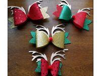 Reindeer clip bows