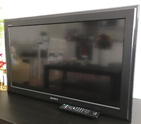 """32"""" inch LCD Sony Bravia in good condition for sale"""