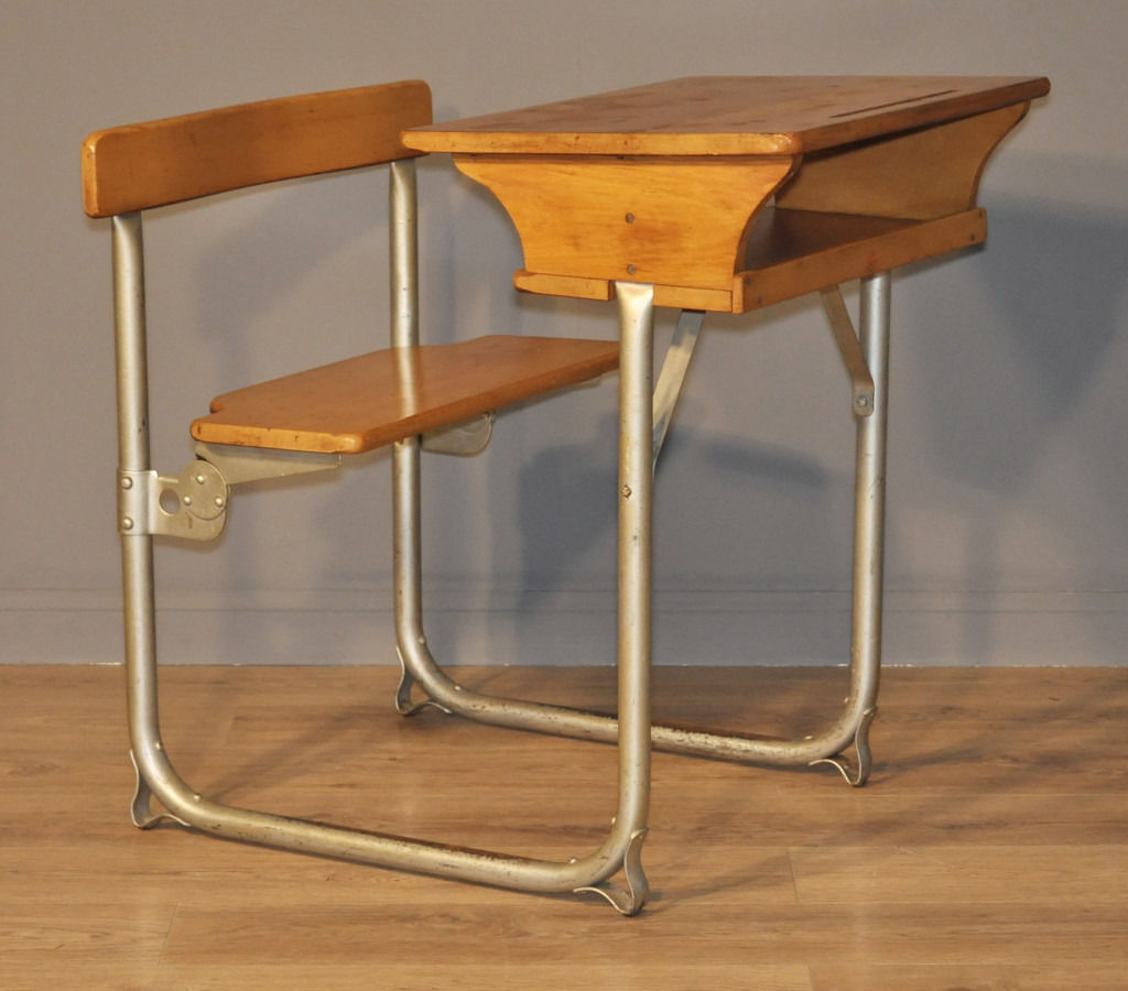 Lovely Vintage Rustic James Bennet, Glasgow Child's School Single Desk