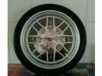 Wheel clock black