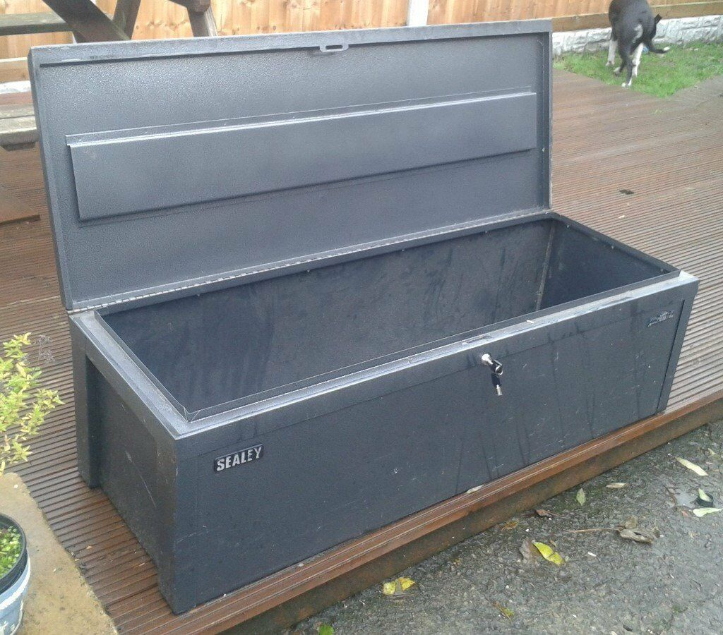 Beau Large Metal Tool Box/Storage Box
