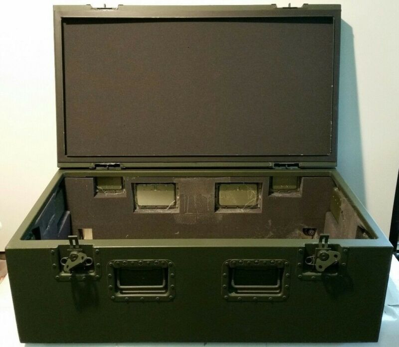 Military Aluminum Transit Case Rugged Waterproof Dustproof Air Tight Weapon Camp