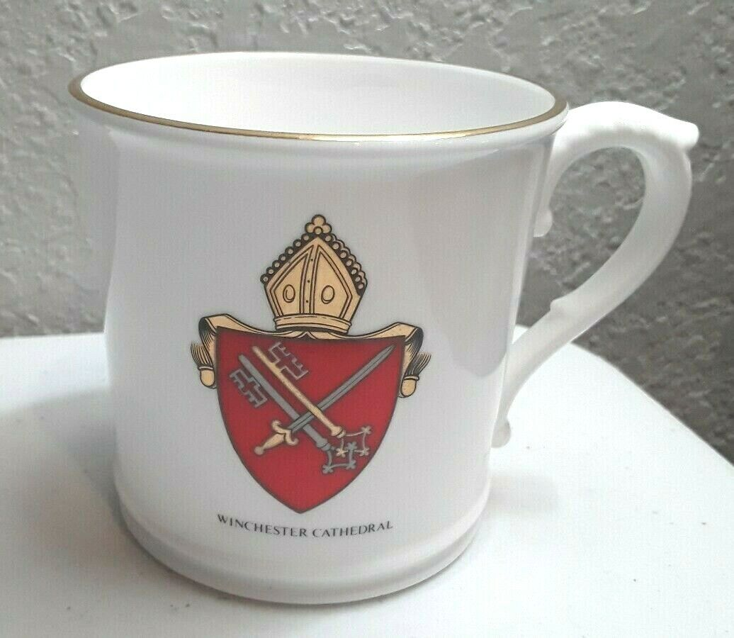 ROYAL WORCESTER FINE BONE CHINA COFFEE MUG WINCHESTER CATHEDRAL CREST ENGLAND