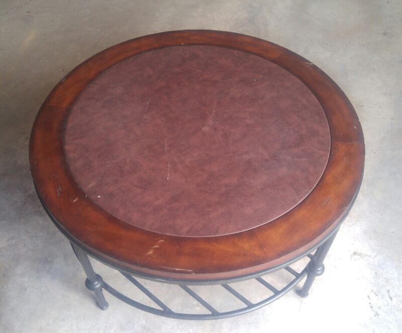 045 Metal & Wood Leather Top Round Coffee Table