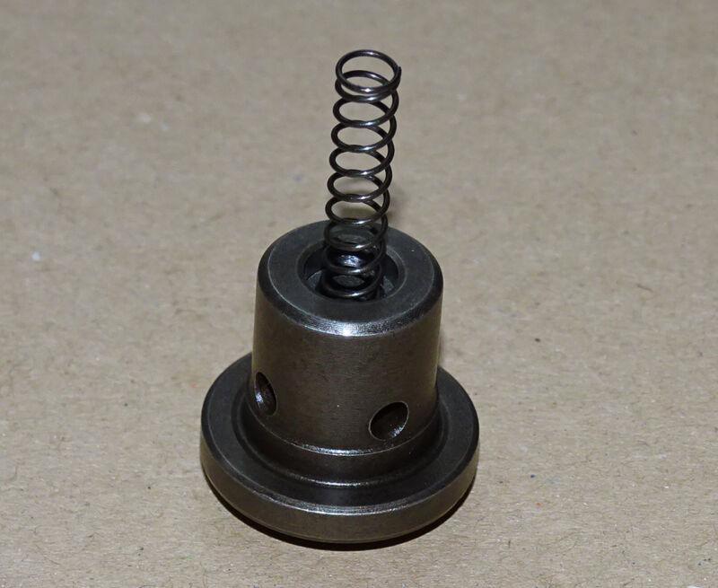 Druckventil für Einspritzpumpe F1L 812 F2L 812 Motor für D30s 2505 3005 Traktor  Foto 1