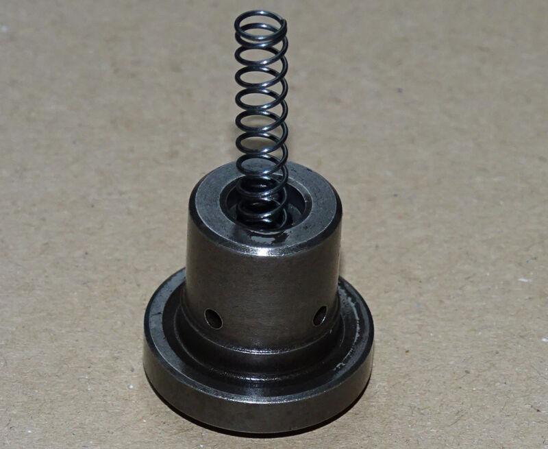 Pumpenventil für Einspriztpumpe F1L 514 F1M 414 und F2M414 Traktor Motor  Foto 1